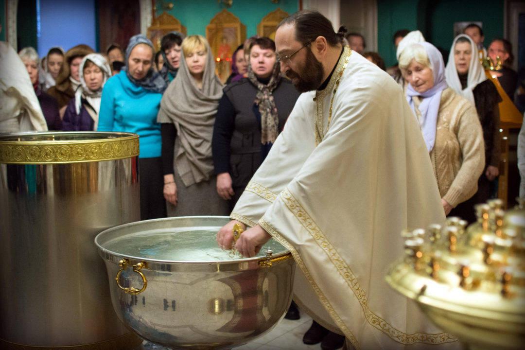 Богоявление молитвенно отметили на петербургском подворье Коневской обители 2019