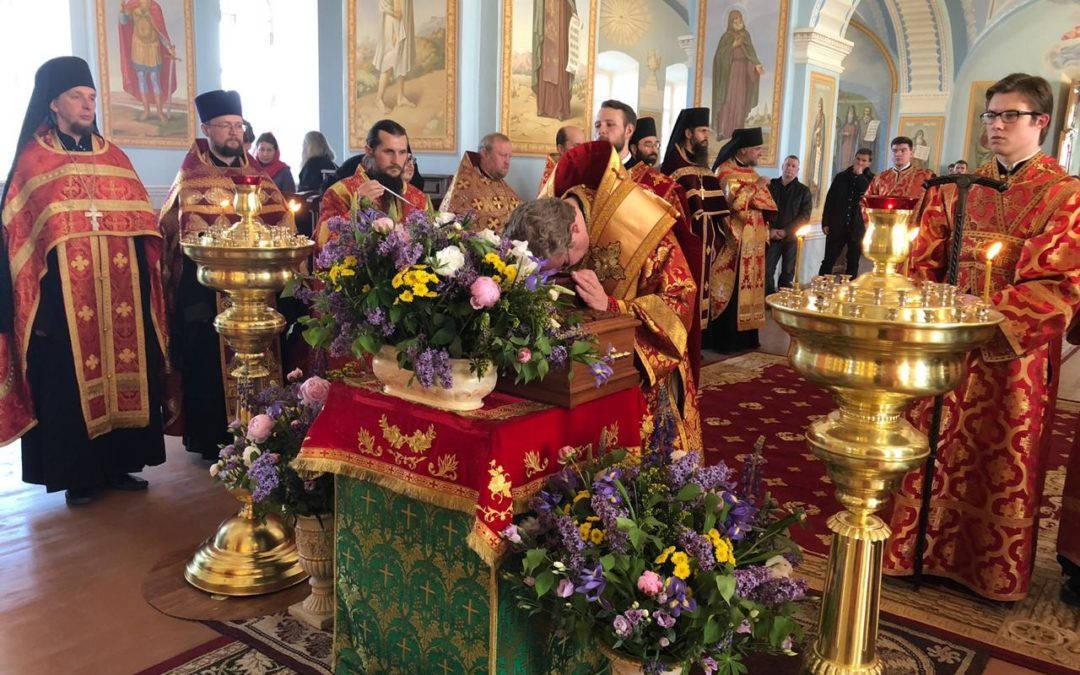 Настоятель Коневского подворья сослужил священноархимандриту обители владыке Игнатию и наместнику в Коневском монастыре