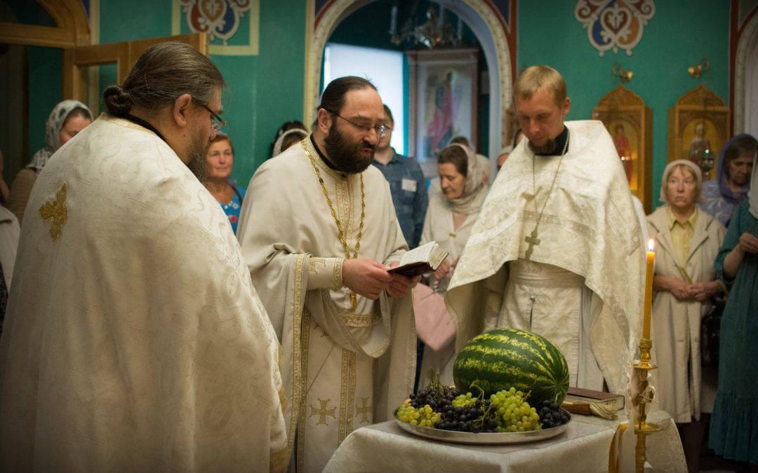 Праздник Преображения Господня молитвенно встретили на Коневском подворье в Петербурге