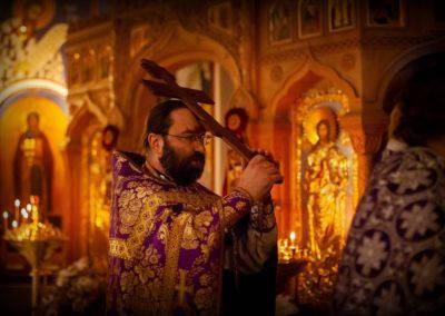 На петербургском подворье Коневской обители молитвенно встретили праздник Происхождения Честных Древ Животворящего Креста