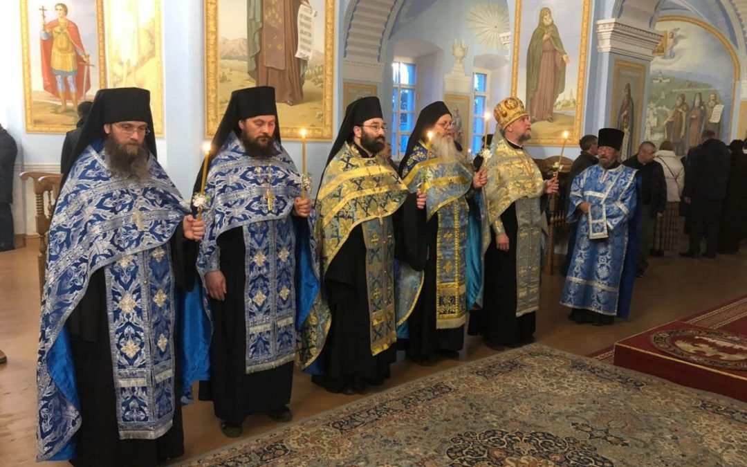 Настоятель петербургского подворья Коневского монастыря сослужил Преосвященнейшему Игнатиюза Всенощным бдением в день праздника Рождества Пресвятой Богородицы