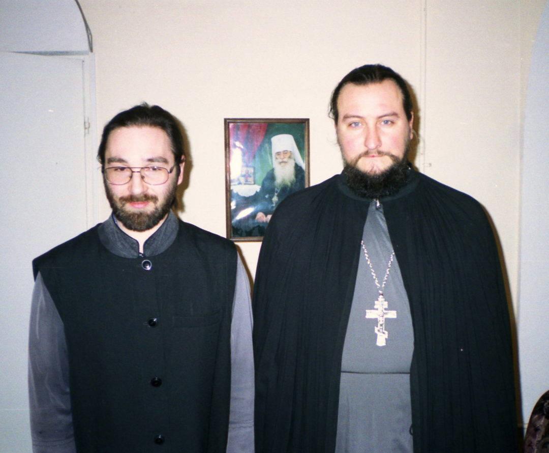 Подворье Коневского монастыря в 2004 году