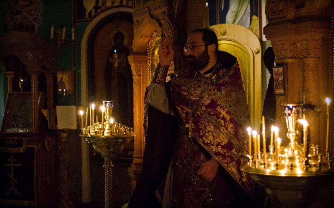 На подворье Коневской обители за Божественной литургией возносится  молитва о прекращении губительного поветрия (коронавируса)