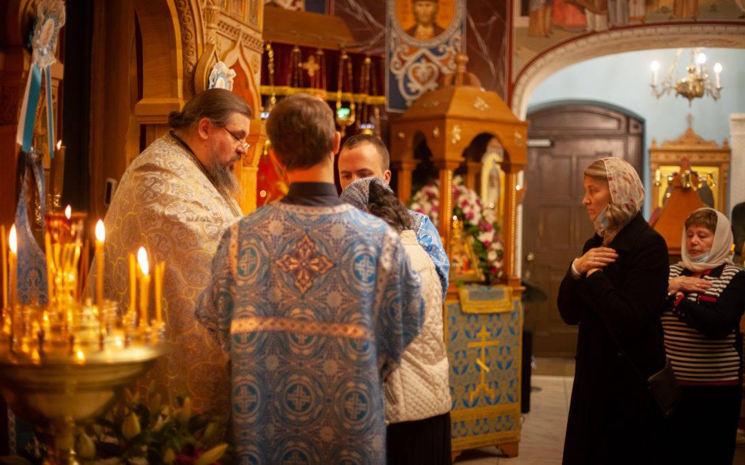 В день праздника Рождества Пресвятой Богородицы  на Коневском подворье в Петербурге совершены праздничные богослужения