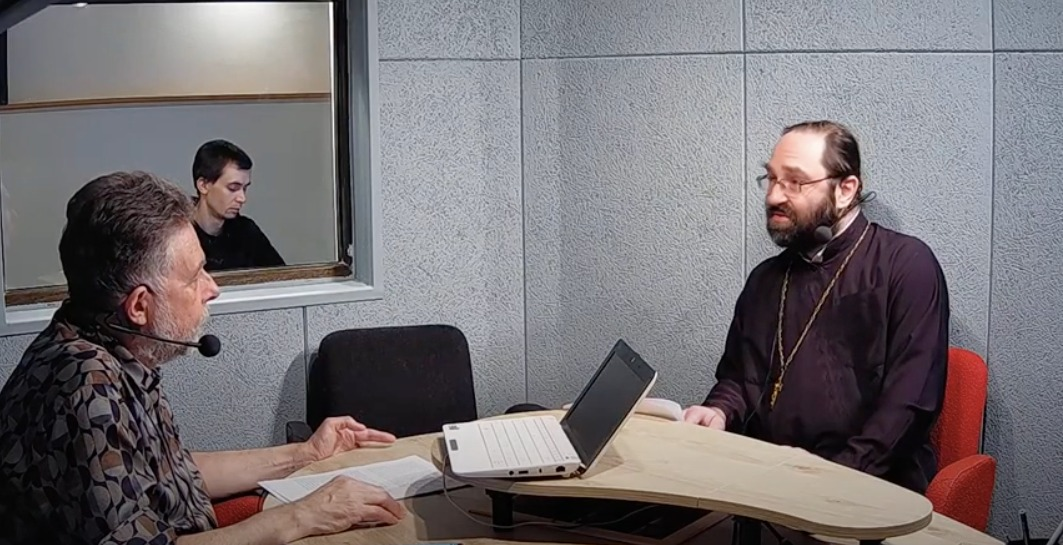 Настоятель петербургского подворья Коневского монастыря впервые принял участие в авторской программе «Неделя» Радио «Град Петров»