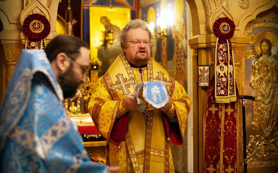 В день памяти иконы Божией Матери «Знамение», епископ Выборгский и Приозерский Игнатий совершил Божественную литургию на петербургском подворье Коневского Рождество-Богородичного монастыря