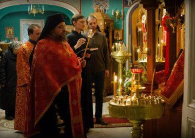 В праздник обретения мощей преподобного Арсения на петербургском подворье Коневской обители совершена праздничная Литургия