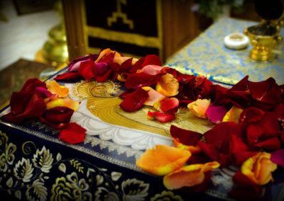 На петербургском подворье Коневской обители совершили богослужения праздника Успения Пресвятой Богородицы с Чином погребения Богородицы