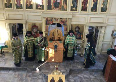 Настоятель петербургского подворья Коневской обители сослужил наместнику монастыря за Всенощным бдением в бухте Владимирская