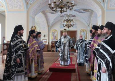 Настоятель петербургского подворья Коневской обители сослужил священноархимандриту монастыря и наместнику на острове Коневец