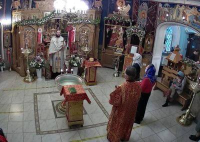 В день памяти иконы Божией Матери «Живоносный источник» на петербургском подворье Коневского монастыря совершена Литургия и водосвятный молебен
