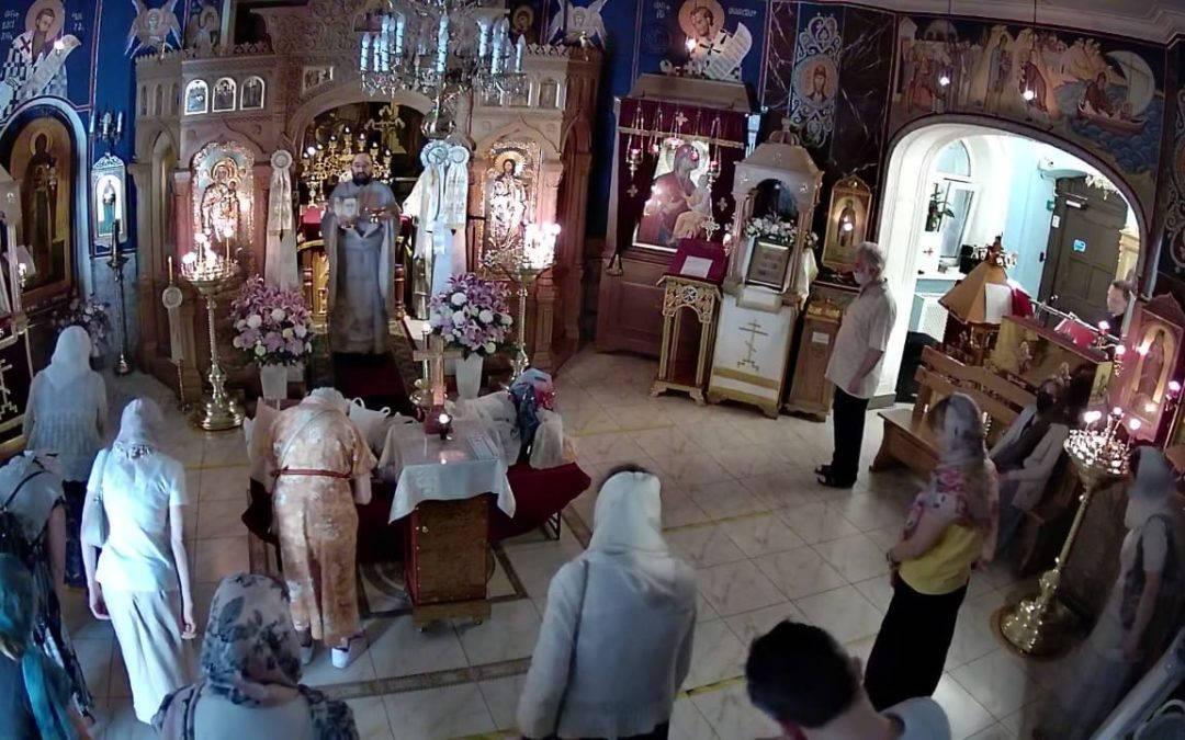 В Троицкую родительскую субботу на петербургском подворье  Коневской обители совершен парастас