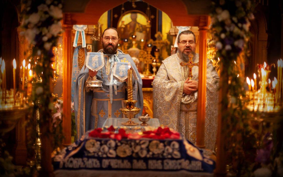 На петербургском подворье Коневской обители совершили торжественные богослужения праздника Успения Божией Матери  с чином Погребения Пресвятой Богородицы